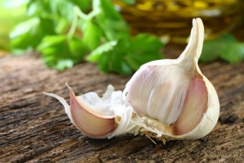 Eating Garlic Reduces Lung Cancer Risk by 44%